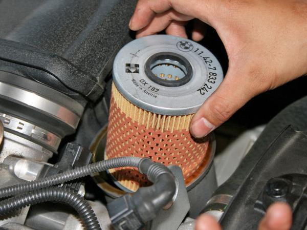 Как воздушный фильтр влияет на расход топлива?