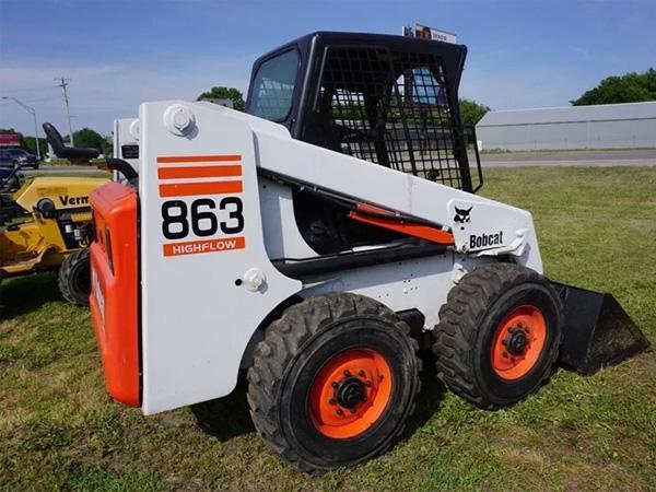 Мини-погрузчик Bobcat 863