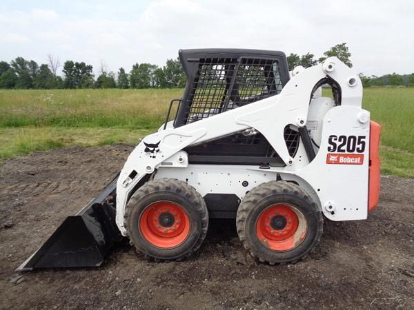 Мини-погрузчик Bobcat S205